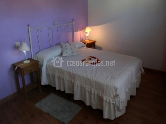 Casa el molinero v en cabezas altas vila for Ropa cama matrimonio