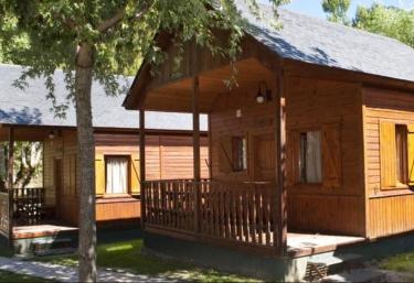 33 bungalows y caba as en catalu a - Casa rural madera y sal ...