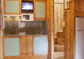 A Acceso al alojamiento en madera