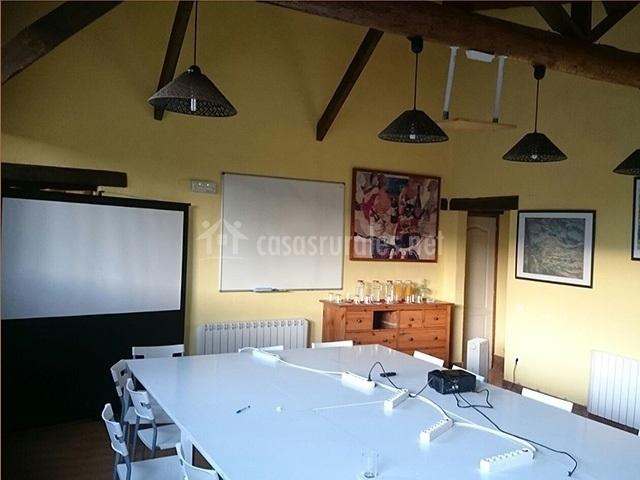 Casas el tossal y el colomer en prades tarragona for Sala 0 tarragona