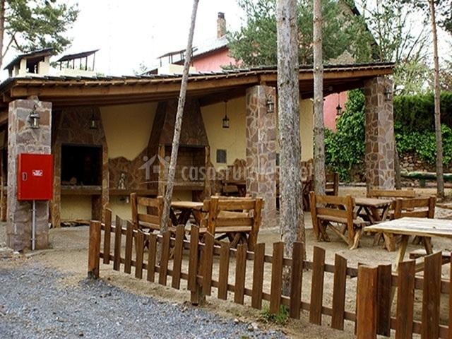 Casa del rbol alzina en prades tarragona - Casa arbol prades ...