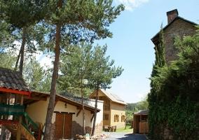 Casa del rbol alzina bungalows y caba as en prades tarragona - Casa arbol prades ...