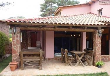 Casa del Árbol Avet - Prades, Tarragona