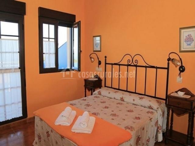 Habitaciones casa bego en valdredo asturias for Cuarto para las 5