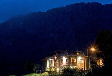 Complejo turístico L´Oteru - Caleao, Asturias