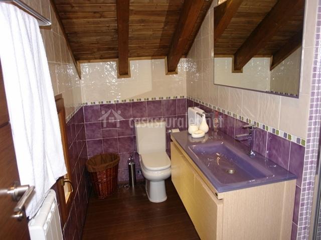Apartamento bilva nature rural en berzosa de lozoya madrid for Cuarto de bano completo