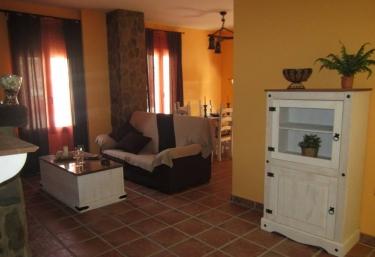 Los Molinos Casa de Piedras - Fuentes De Leon, Badajoz