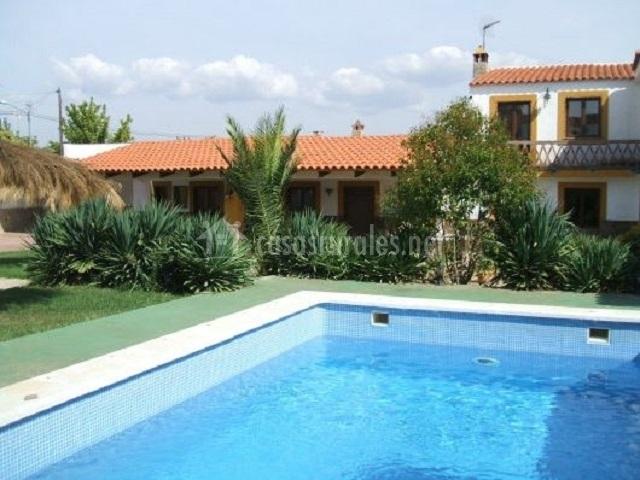 Casa manol n i en brovales badajoz for Casas rurales en badajoz con piscina