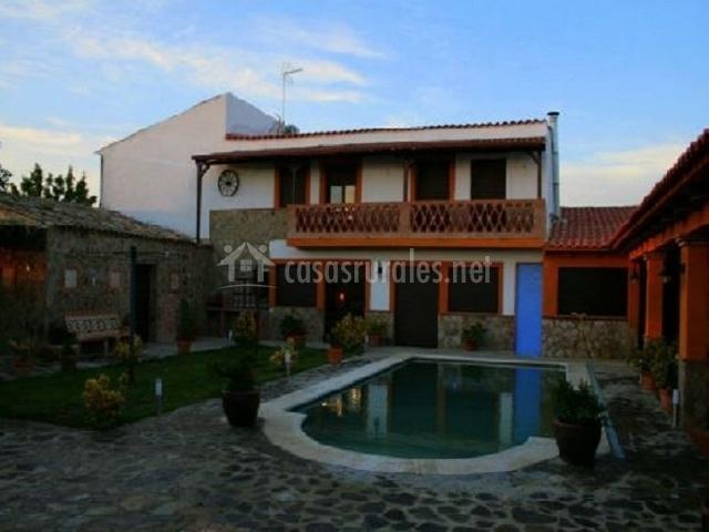 Casa de las golondrinas casas rurales en brovales badajoz for Casas rurales en badajoz con piscina