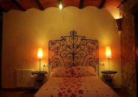 Dormitorio cabecero forjado