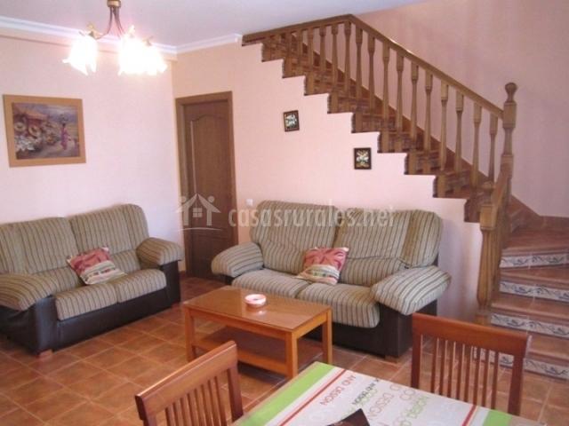 Apartaloft calatrava en almagro ciudad real for Salas con escaleras
