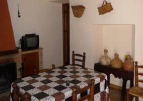 Sala principal con cocina abierta