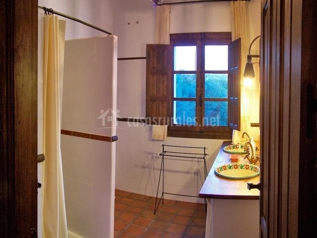 El molino nuevo en arcos de la frontera c diz - Cuartos de bano con plato ducha ...