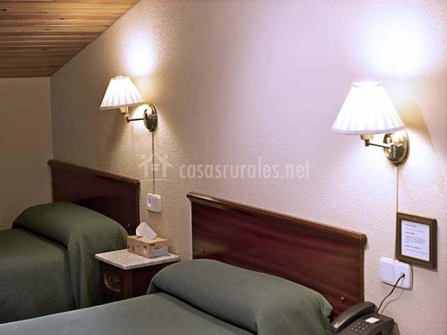 Estancia con 2 habitaciones individuales