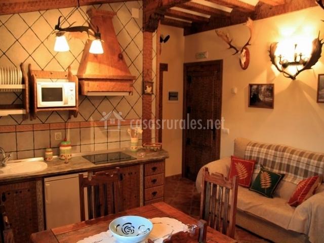 Apartamentos el cerrillo en las majadas cuenca for Cocina abierta sala de estar