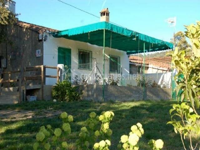 Casa rural el tejar en higuera de la sierra huelva for Casa rural 5 habitaciones