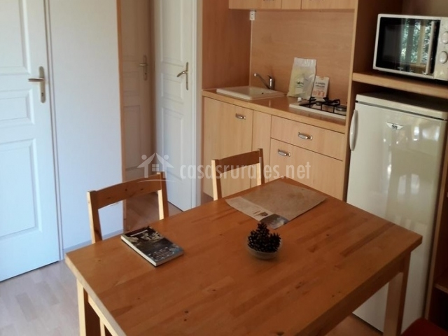 Bonito Mesa De Cocina De La Cabaña Imágenes - Ideas para Decoración ...