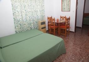 Salón y dormitorio en un misto espacio
