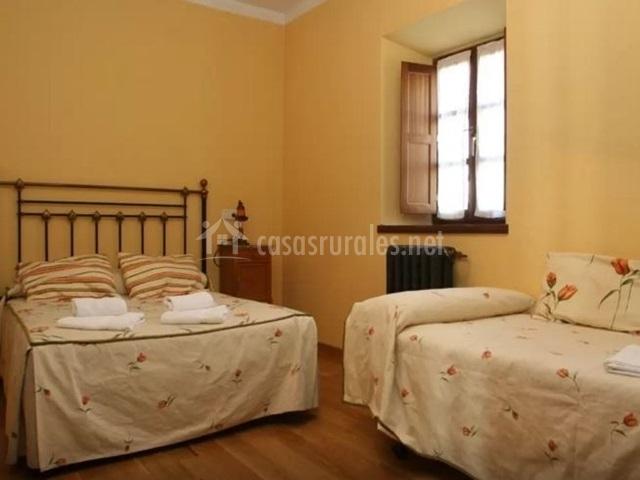 Casa abedul en puebla de lillo le n for Cama supletoria