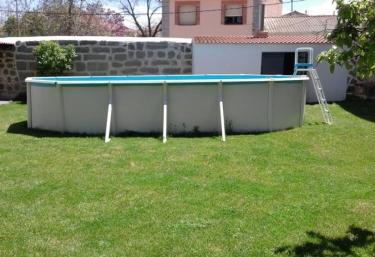 Casas rurales en castilla y le n con piscina for Casas rurales con piscina en castilla la mancha