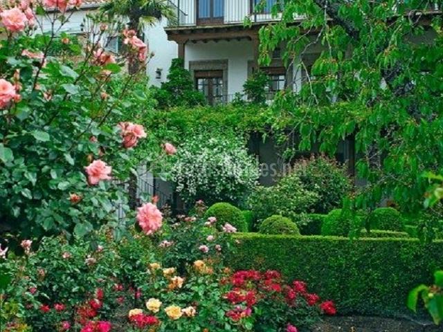 El jard n del convento en hervas c ceres for Casa rural el jardin del convento