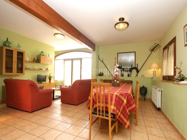 Casa cigonyes en castello d 39 empuries girona for Sala de estar noche