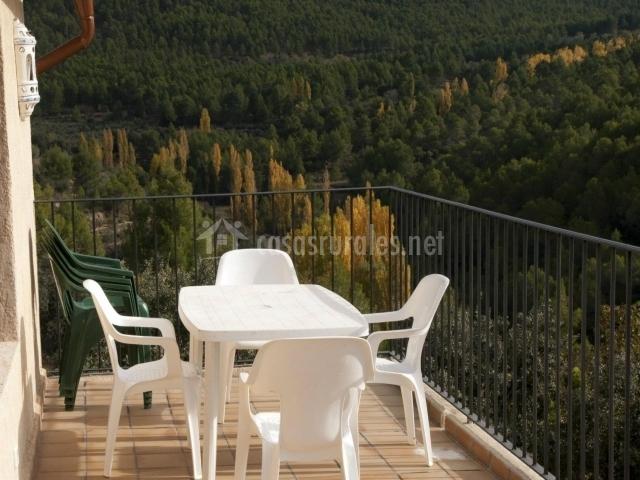 Casa la molata ii en yeste albacete for Muebles terraza casa