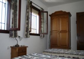 Robusto armario de la habitación