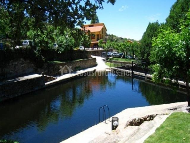 Casill n 1 las 4 esquinas casas rurales en segura de for Casas rurales en caceres con piscina