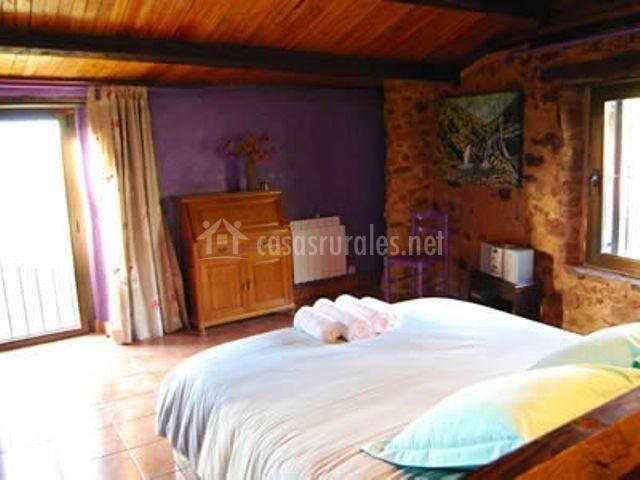 Mobiliario del hogar presente en el dormitorio