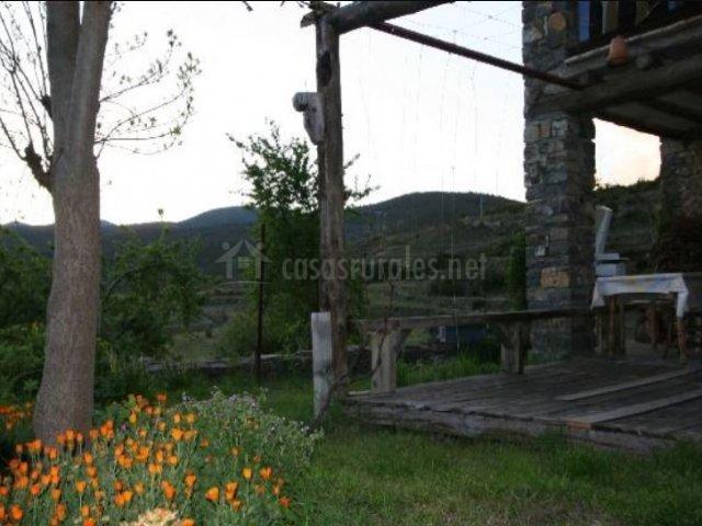 Vistas de las zonas exteriores con porche