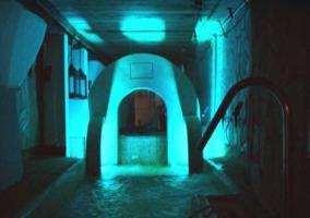Spa con luz azul