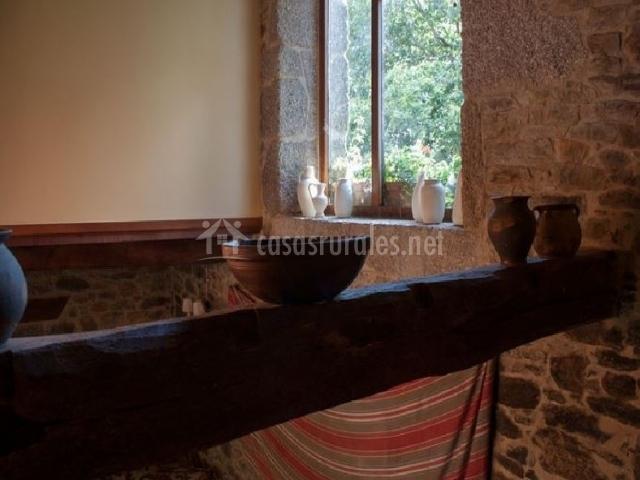 La casa principal casa lagoa en a capela pontedeume a - Vigas de madera baratas ...