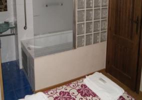 Aseo abierto en dormitorio doble