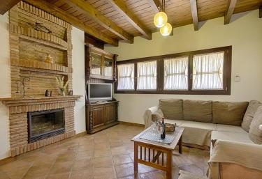 Casa Paco y Toñi - Pizarra, Málaga