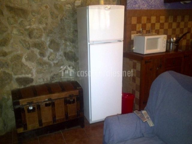 Casa cueva las tinajas de naya en alcala del jucar albacete for Cocina abierta sala de estar