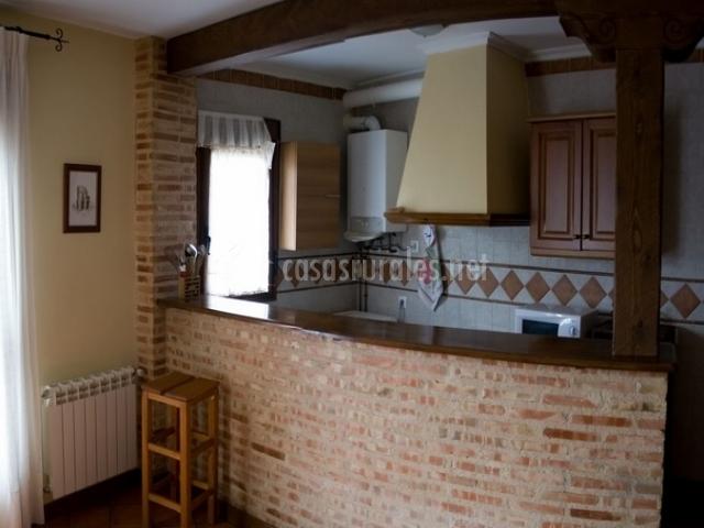 Casa tard n canserta casas rurales en alcaraz albacete - Cocina de ladrillo ...