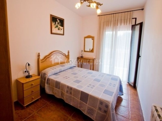 Casa del abuelo en villarejo de salvanes madrid for La cama de matrimonio