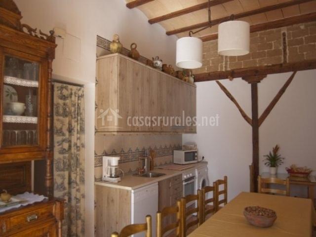 Casa rural do a sara en villalgordo del jucar albacete for Mesa supletoria cocina
