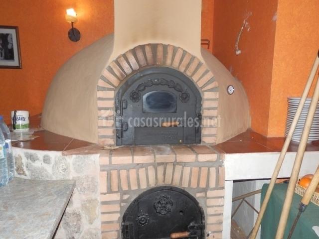 Villa y corte en ampudia palencia - Barbacoa y horno de lena ...