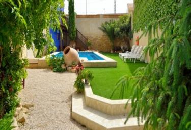 14 casas rurales con piscina en elche de la sierra for Alquiler de casas vacacionales con piscina