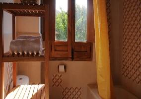 Habitación matrimonial con ventana
