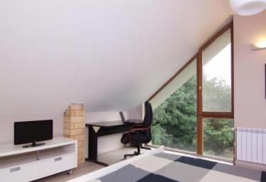 Apartamento 2- Apartamentos Yérbano - San Tirso (Siero), Asturias