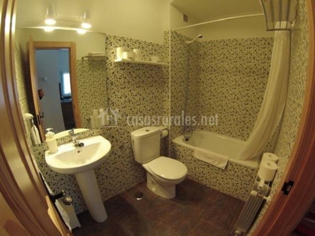 Apartamento corona cuco en comillas cantabria for Cuarto para las 7