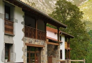 Los Riegos - Belerda, Asturias