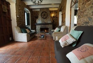 Casa Rural La Hoya Alta - Fuentes De Leon, Badajoz