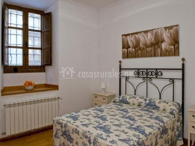 Casa de la bodega las casas del vino en chinchilla de - Cuadros encima cabecero cama ...