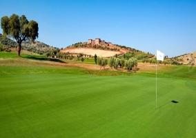 Campo de golf cercano