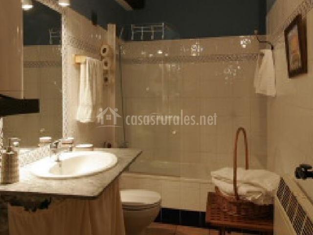 Cuarto de baño amplio