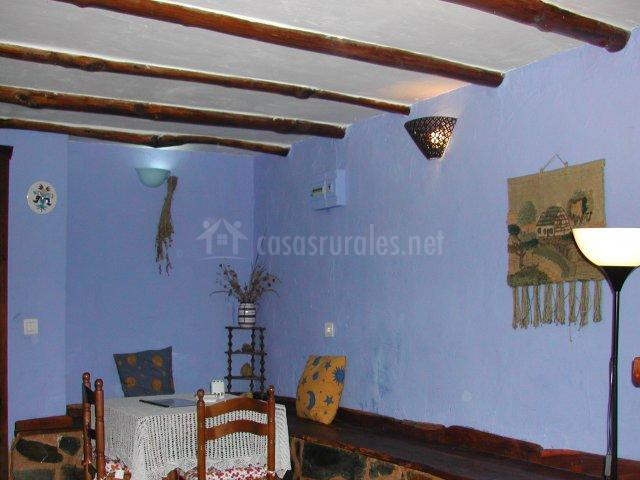 Mesa del comedor y banco de madera